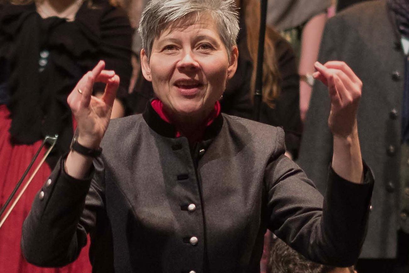 Herta Albert (Ltg. Chor des Münchner Advent)